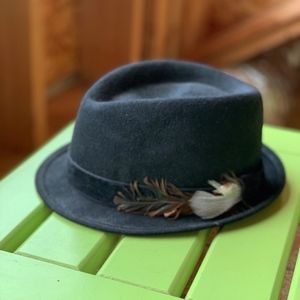 Accessories - Feathered Fedora Hat